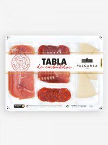 Tapasschotel met vleeswaren en kaas